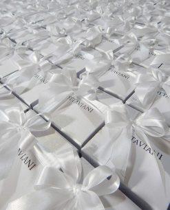 scatole bianche ottaviani con fiocchi bianchi