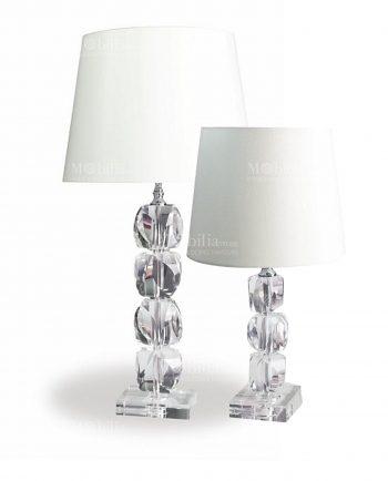 lampada-Rachel-in-due-misure