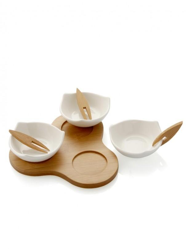antipastiera-trifoglio-in-porcellana-e-supporto-in-bamboo-55752-brandani