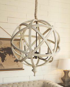 lampadario in legno bianco