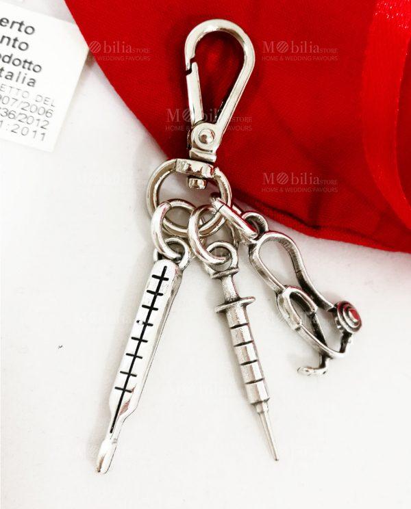 Portachiavi con Moschettone stetoscopio siringa e termometro ricoperto d'argento tabor
