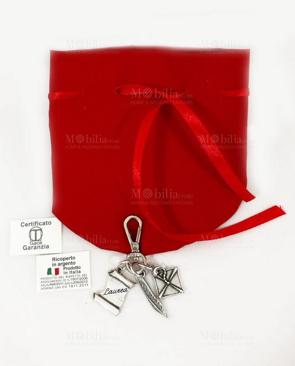 Portachiavi con Moschettone tocco piuma e pergamena scritta laurea con sacchetto cotone rosso tabor