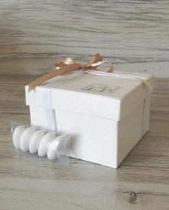 scatola con fiocco tortora