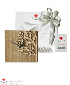 Bomboniera Confezionata Orologio legno cuorematto 18x 18 con confetti