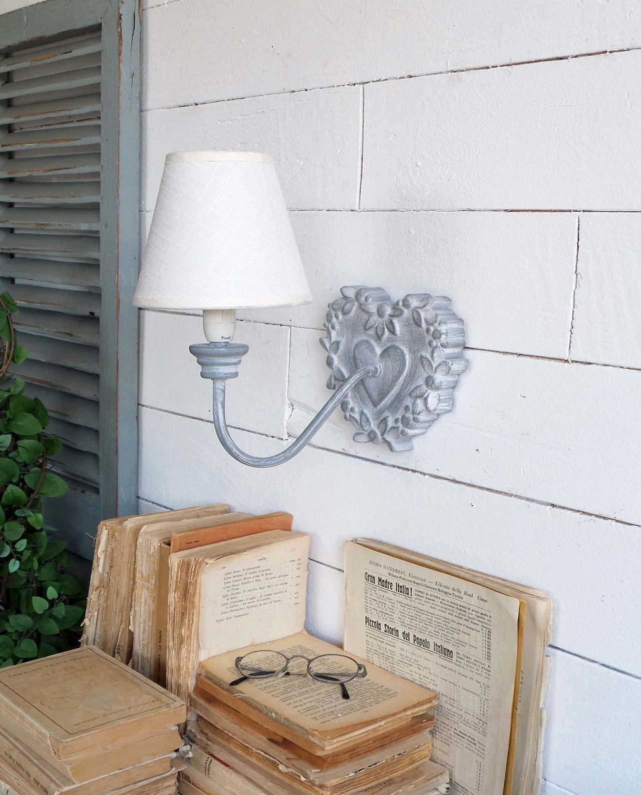 applique da parete in legno grigio con base cuore set 2 pz