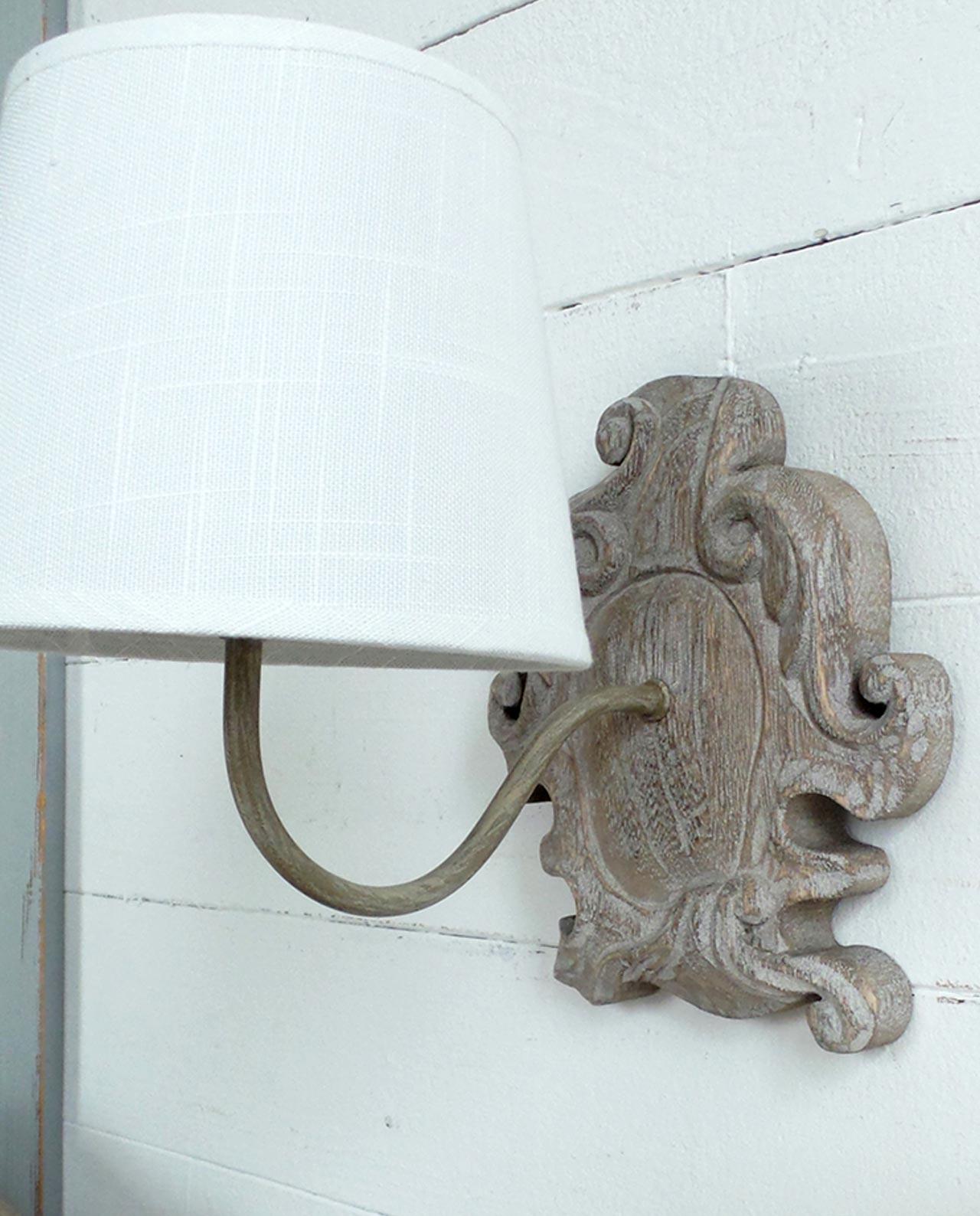 Applique da parete legno con bordi irregolari mobiliastore for Applique da parete legno