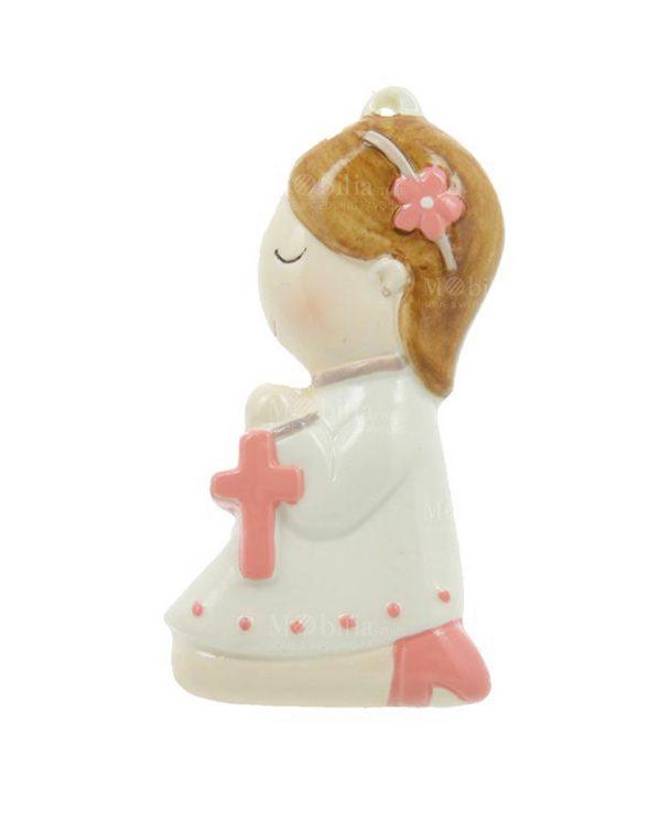 appendino bimba preghiera con rosario rosa