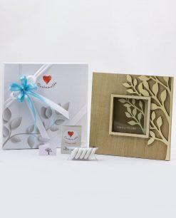 bomboniera portafoto legno albero della vita con nastri azzurri cuorematto