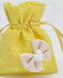 dettaglio sacchettino giallo con cuore