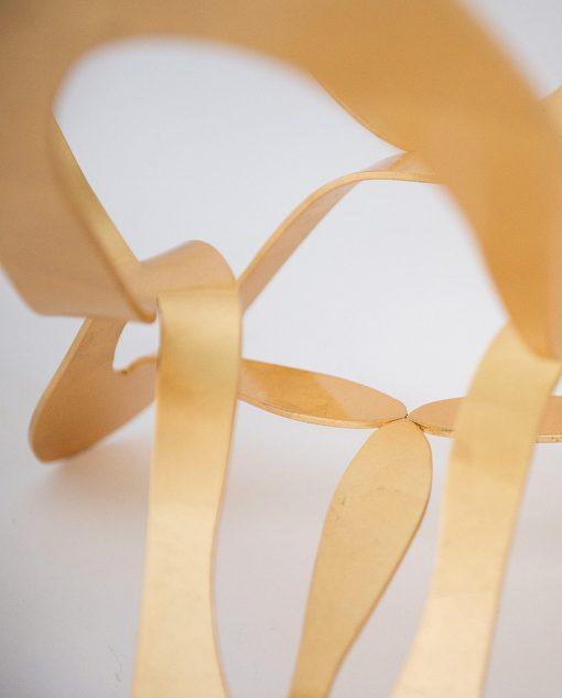 tavolo piccolo modello ninfa colore oro particolare gamba