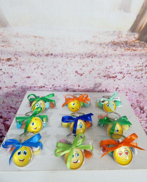 bomboniera portachiavi smile con nastri colorati