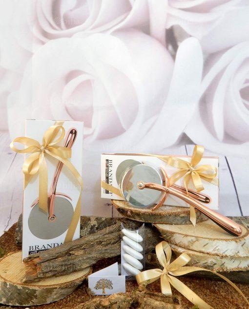 bomboniera tagliapizza acciaio rose gold brandani