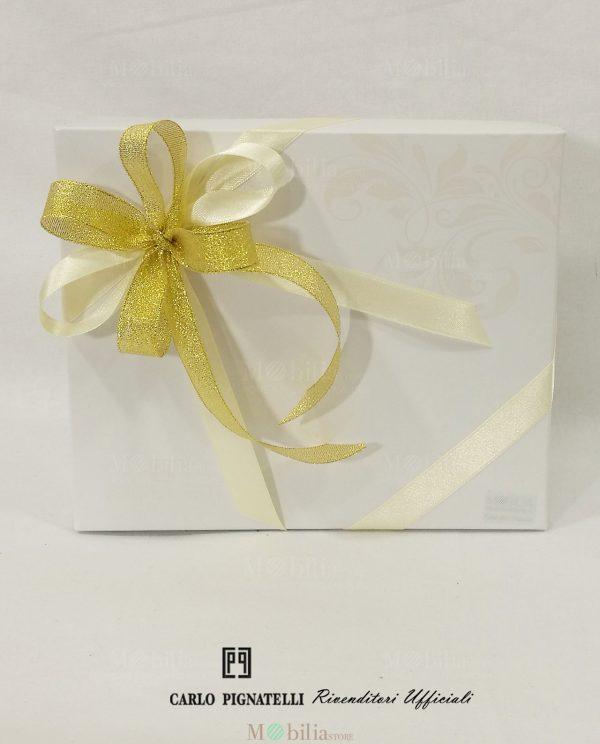 scatola carlo pignatelli confezionata con nastro laminato oro