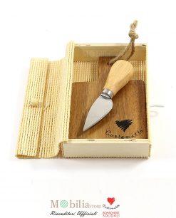 bomboniere solidali tagliere monoporzione con coltellino cuorematto