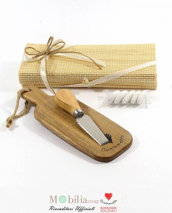 Bomboniere Solidali Tagliere Coltellino e Box Bamboo Cuorematto