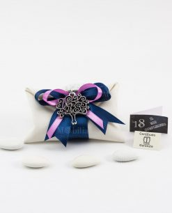 bomboniera portachiave albero della vita con 18 tabor su sacchetto bustina bianco con nastro blu e rosa