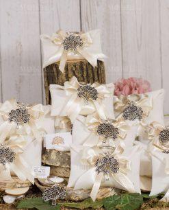 bomboniera portachiave albero della vita tabor argento su sacchetto bustina bianca con doppio fiocco bianco e tortora