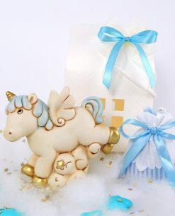 bomboniera salvadanaio unicorno azzurro con sacchettino e scatola casetta 1