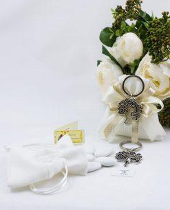 portachiavi croce tau albero della vita e sacchetto bianco