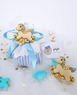 sacchettino righe azzurre con magnete cavalluccio azzurro e fiocco
