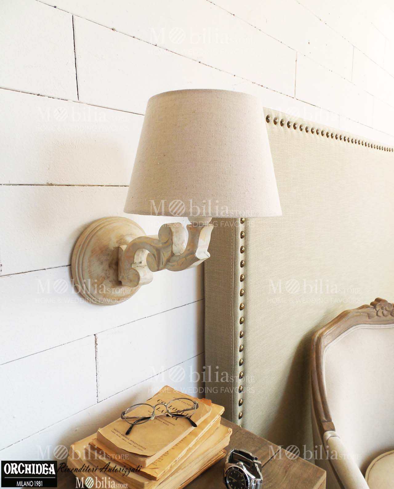 Lampade da parete legno shabby chic for Applique da parete legno