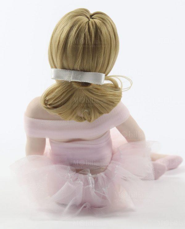 ballerina di danza classica seduta con tutù rosa rdm design