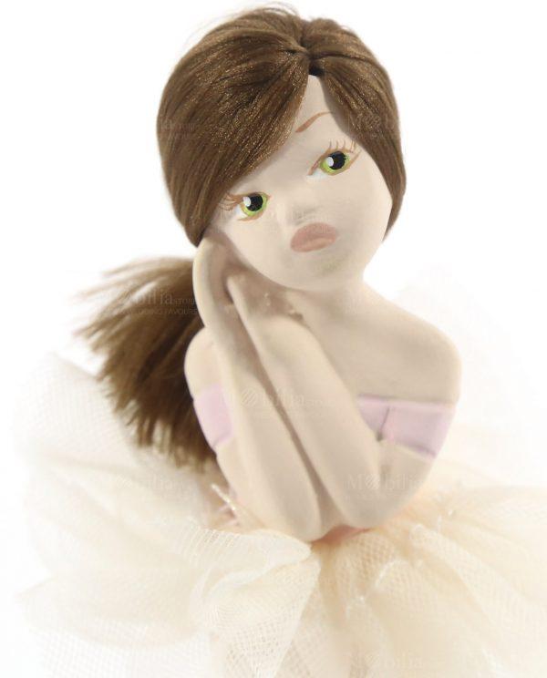 ballerina in porcellana con capelli castani e tutù panna rdm design