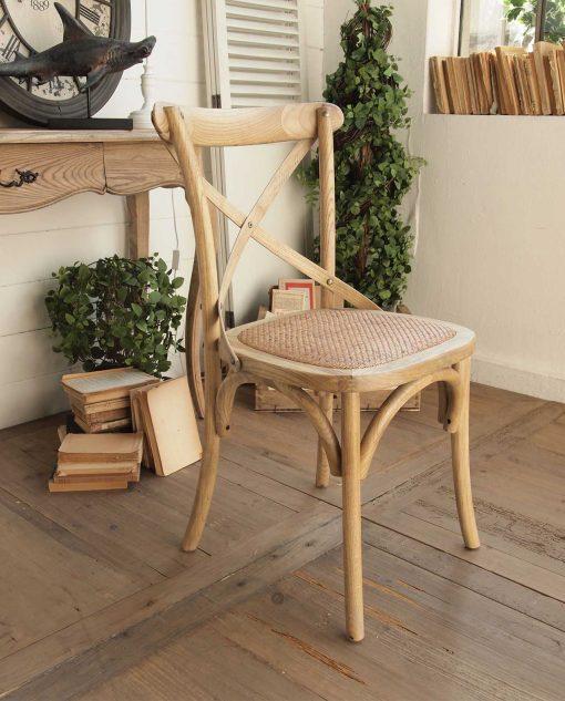 sedie in legno con seduta in vimini