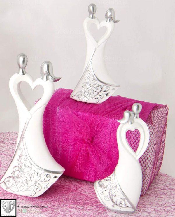 Sposini stilizzati con cuore e decori argento assortiti