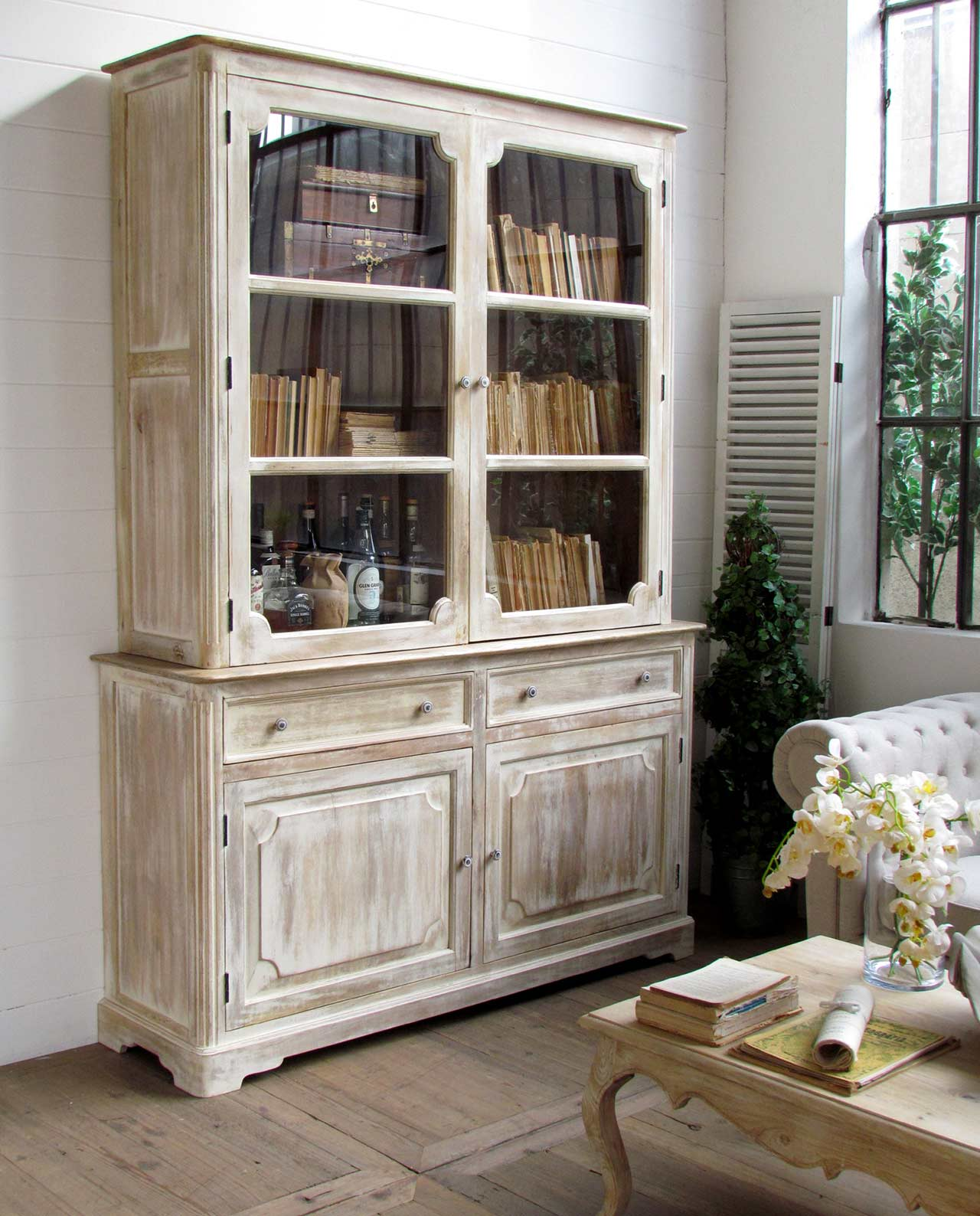 credenza vetrina shabby chic legno di mango mobilia. Black Bedroom Furniture Sets. Home Design Ideas