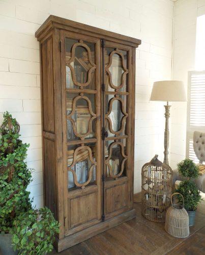 credenza vintage in legno naturale