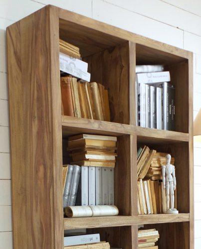 libreria aperta in legno