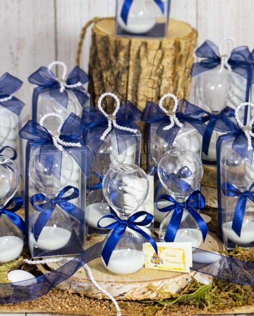 bomboniera clessidra vetro sabbia bianca fiocco blu cordoncino ciondolo cuoricino
