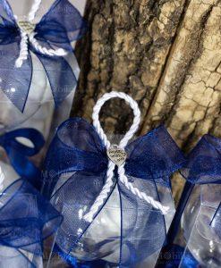 bomobniera clessidra piccola sabbia bianca dettaglio fiocco blu cordoncino bianco e ciondolo cuore made with love