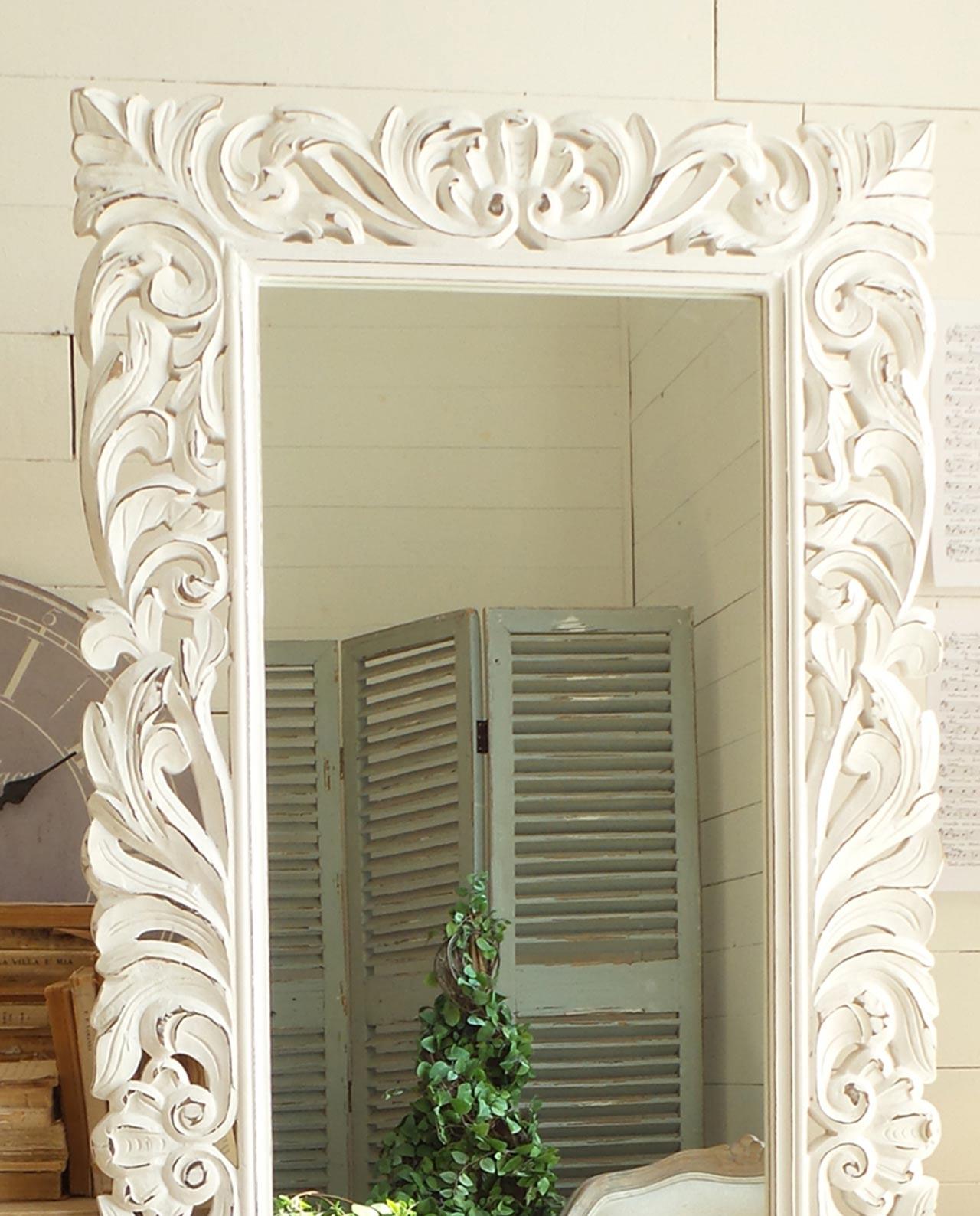 Arredare con gli specchi in legno e cornice decorata - Specchio in legno ...