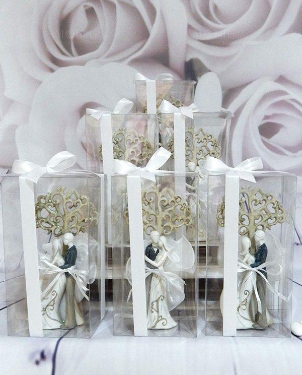 bomboniera scultura sposini con albero della vita con scatola pvc e nastro bianco