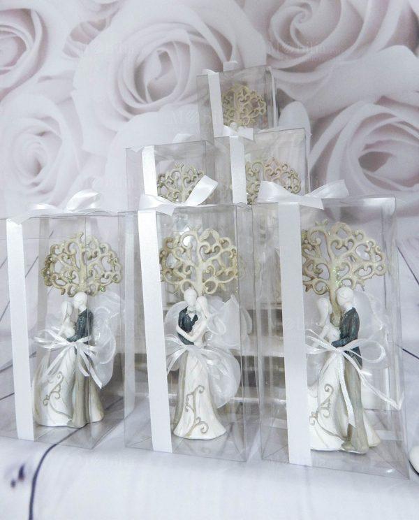 scultura sposini con albero della vita confezionati con scatola pvc e nastro