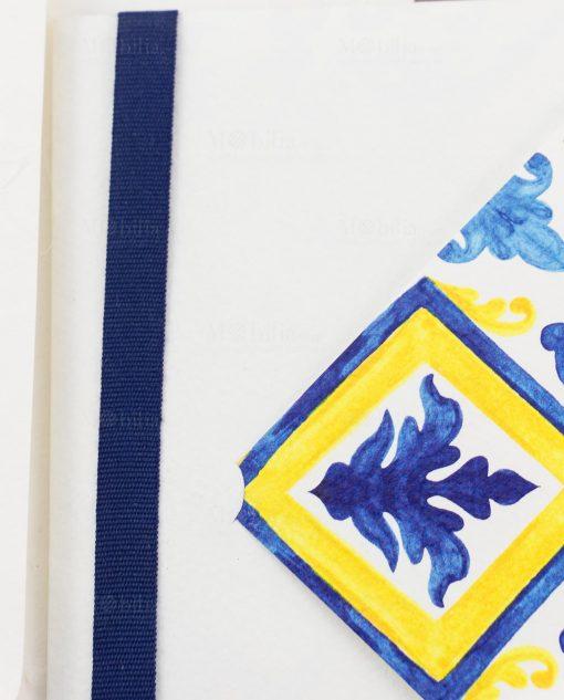 partecipazione e invito nozze blu e giallo con maioliche dettaglio nastro