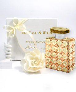bomboniera profumatore bottiglia in porcellana elvis baci milano 375 ml maroc e roll con fiore