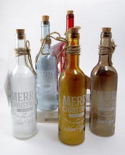 bottiglie natalizie in vetro con filo di luci