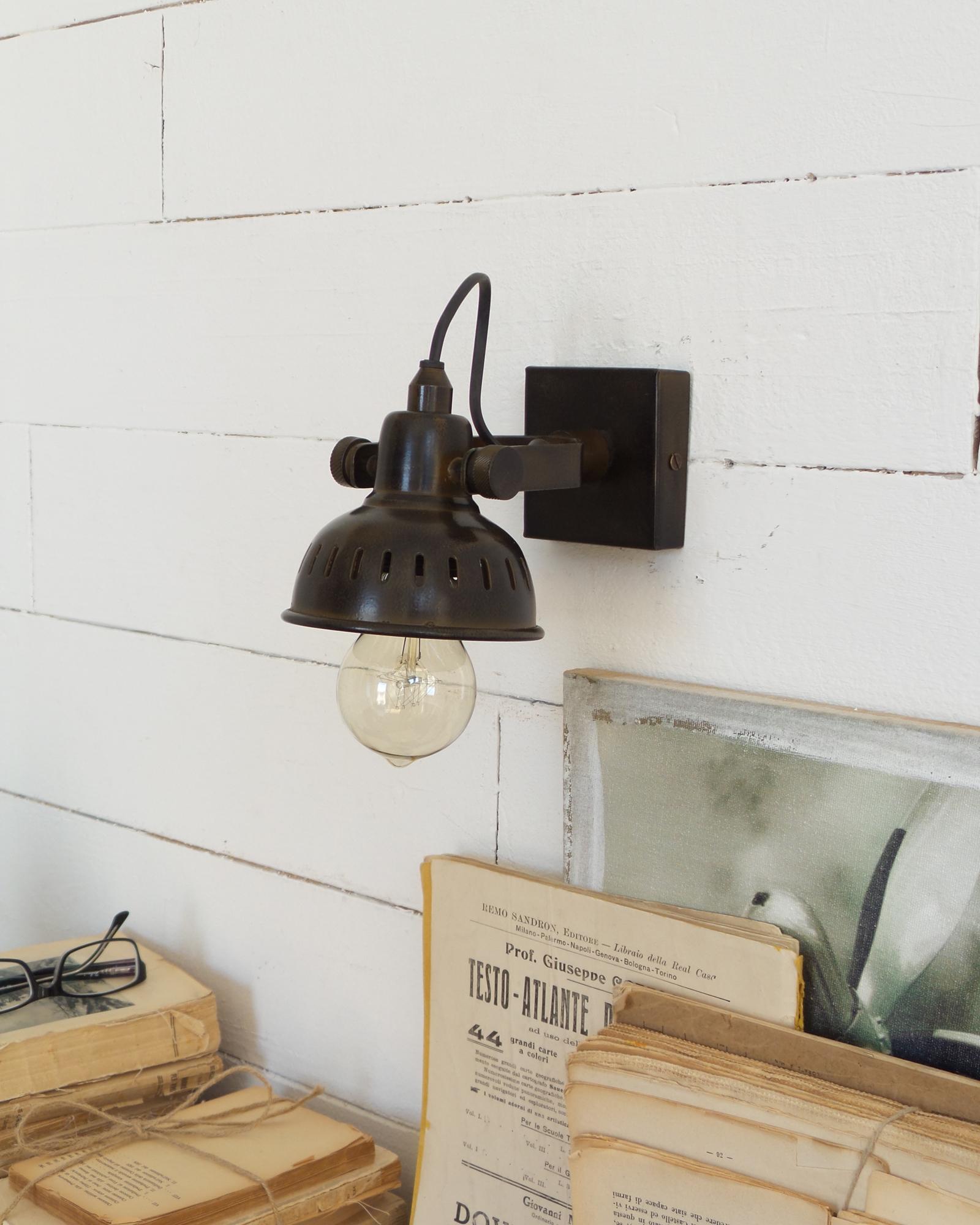 applique in metallo vintage industrial mobilia store home favours. Black Bedroom Furniture Sets. Home Design Ideas