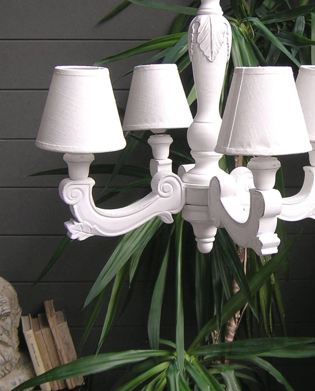 Lampadari in legno bianco for Copie mobili design
