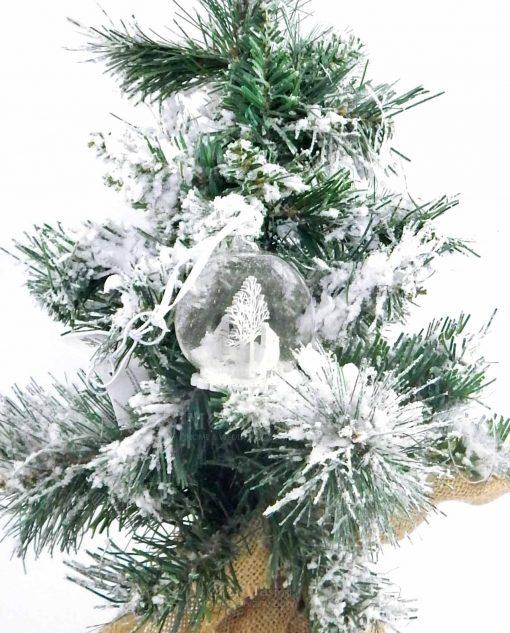 appendino palla di neve con albero in legno