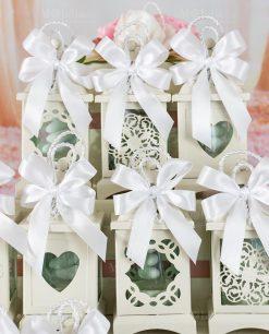 bomboniera lanterna decori assortiti con fiocco bianco a 4 e cordoncino