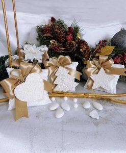 bomboniera sacchetto con appendino in legno bianco