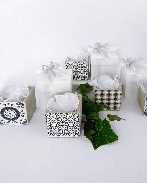 bomboniera vaso cemento con tulle bianco e scatola bianca