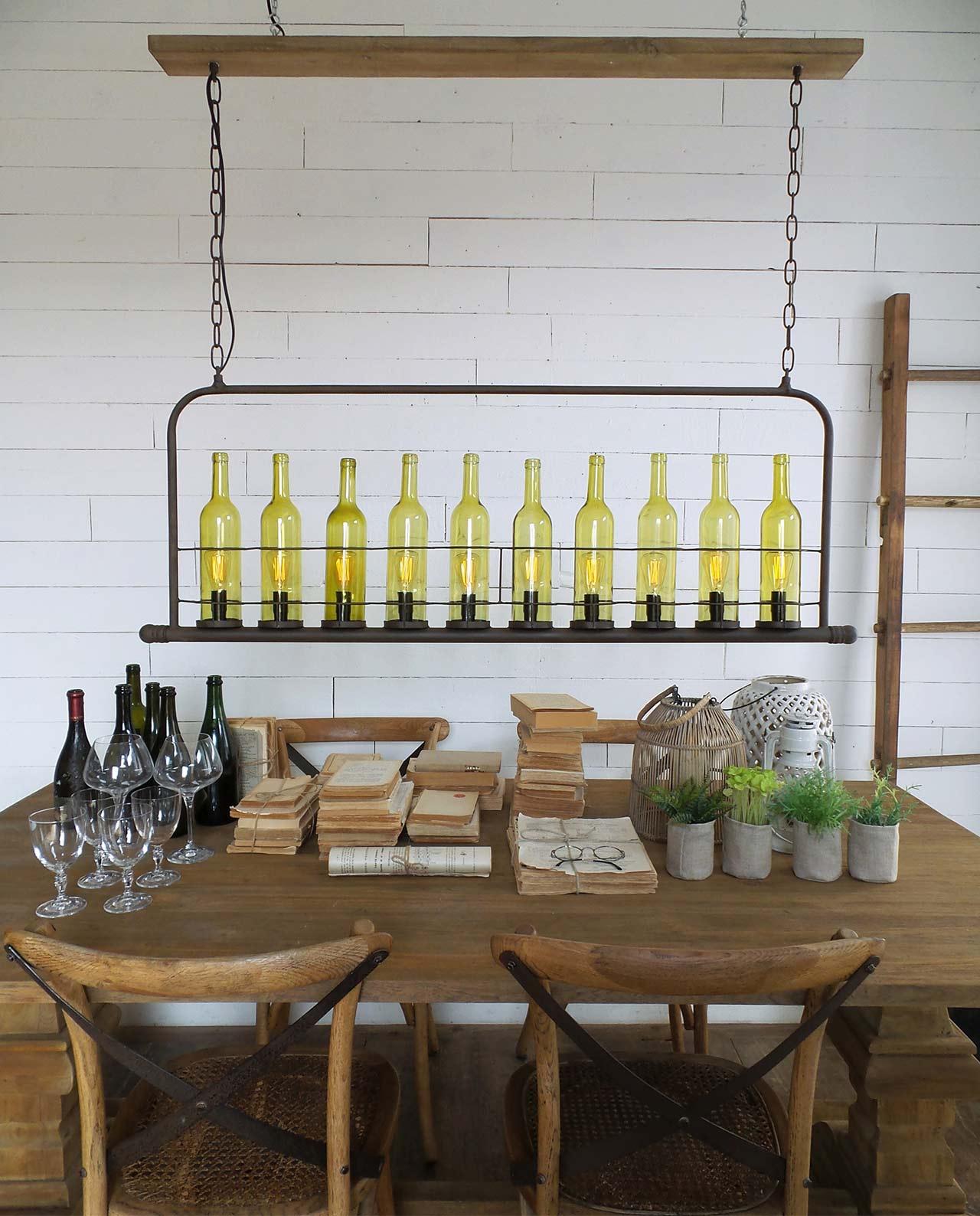 Lampadario con bottiglie vino stile industrial mobilia for Mobilia recensioni