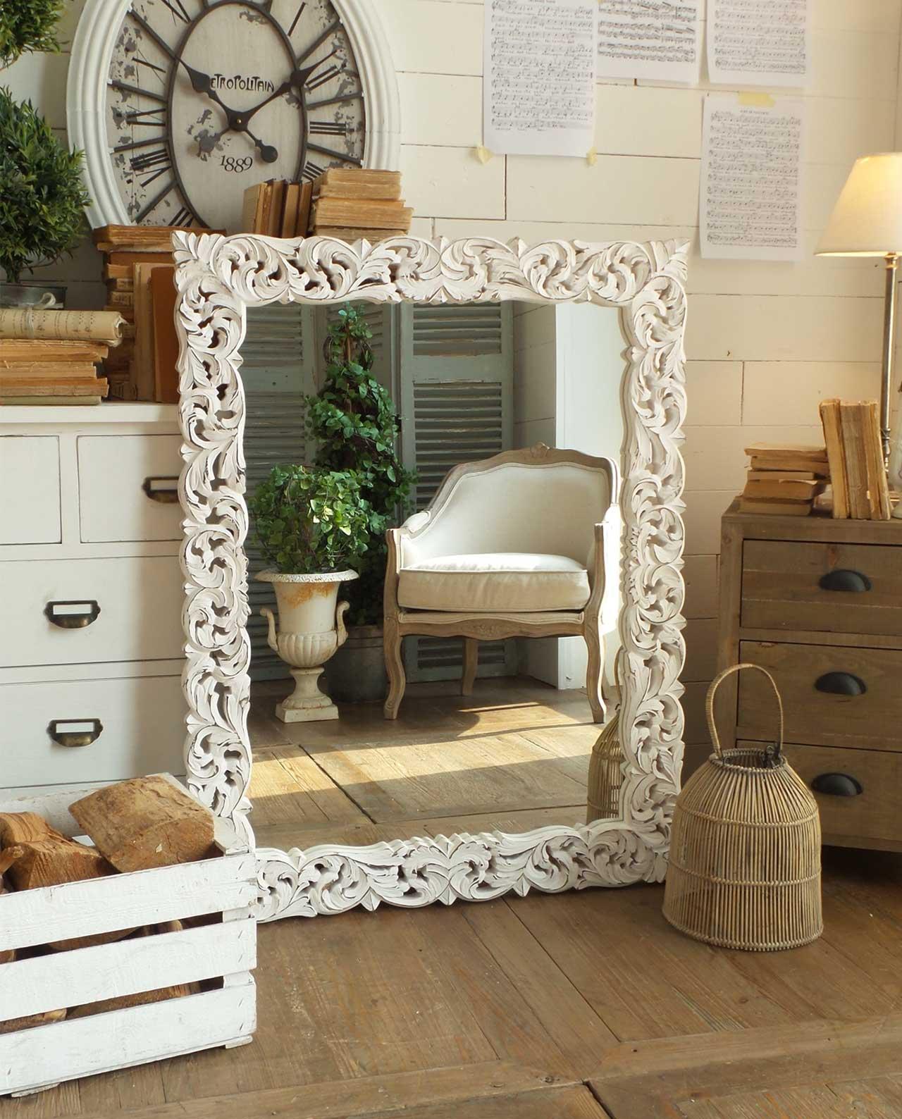 Specchio da parete con cornice legno shabby mobilia - Parete di legno ...