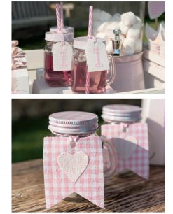 boccali rosa in vetro con coperchio