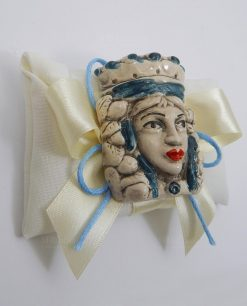 bomboniera magnete testa di moro in ceramica di caltagirone su sacchettino